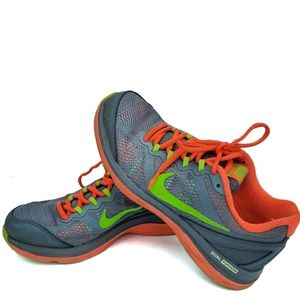 Nike dual fusion 7 womans sneakers